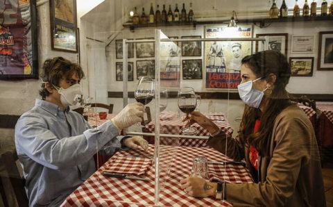 Un restaurante de Madrid exigía a los clientes tener un test de coronavirus negativo