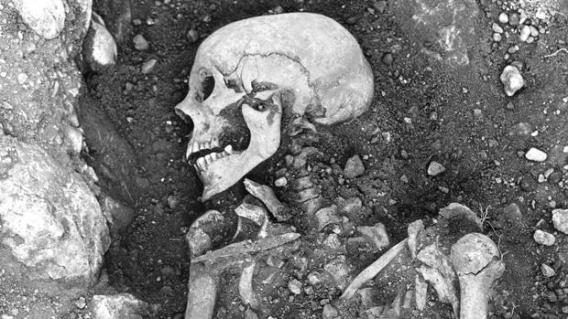 La genética amplía el misterio del lago de los esqueletos de origen desconocido