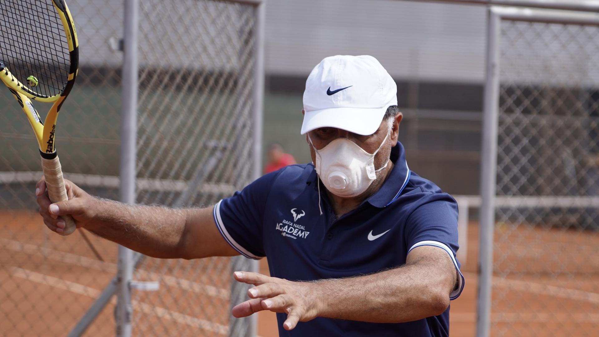El coronavirus divide al mundo del tenis
