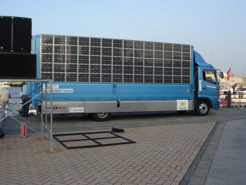 El camión con paneles solares que ahorrará miles de litros de combustible
