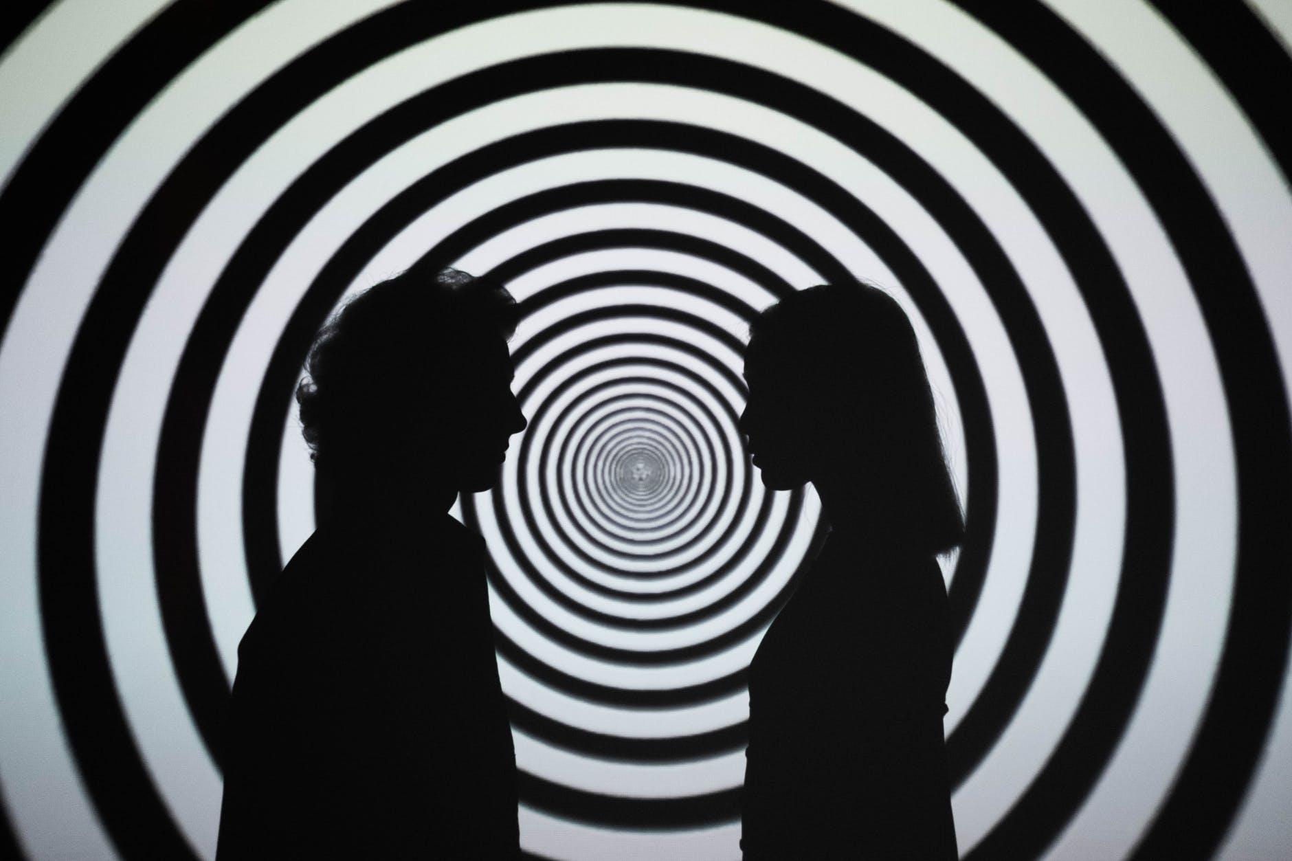 El cerebro se divide durante la hipnosis