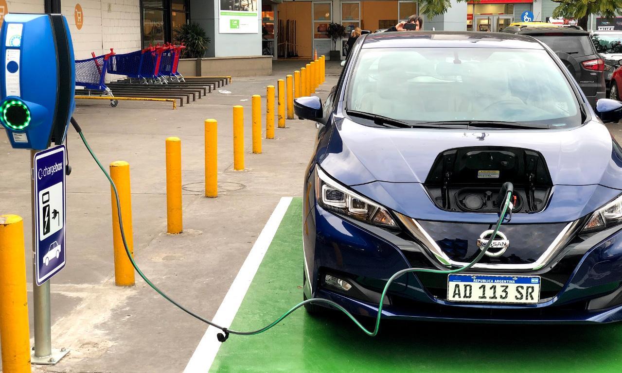 Los países donde arrasa el coche eléctrico
